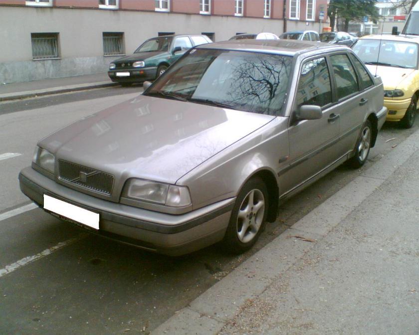 1994 Volvo 440 facelift