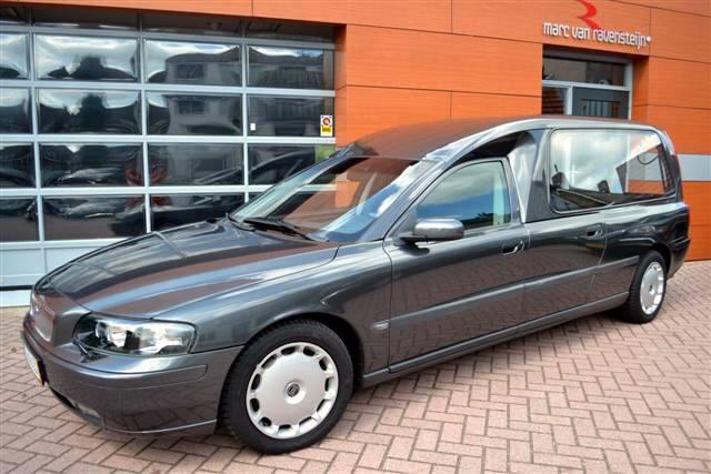 2004 Volvo V70 Hearse