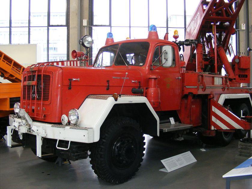 Feuerwehrkran Typ 250 D 25