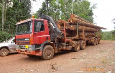 GINAF M3233S (ex B.Q. de Ruyter) in Suriname