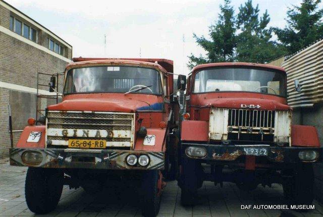 De Ginaf TF 10 & TF 12 wachten geduldig op restauratie.