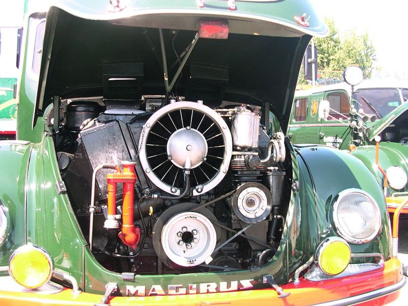Luftgekühlter Motor eines Magirus-Deutz-Rundhaubers vom Typ S 6500