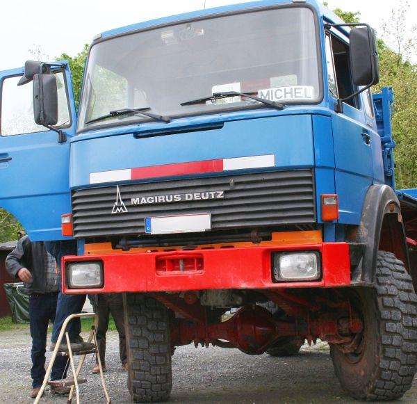 Schwerer Lkw der T-Reihe aus dem Iveco-Konzern als Magirus-Deutz Baustellen-Kipper