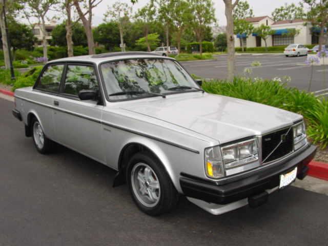 Volvo 242 1