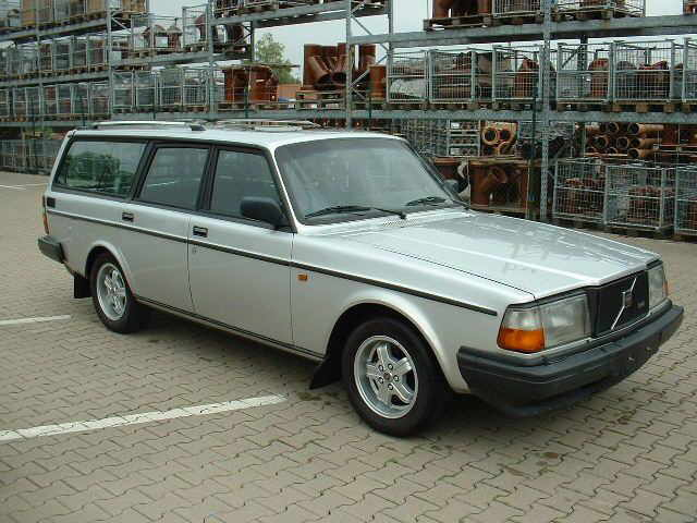 Volvo 245 4