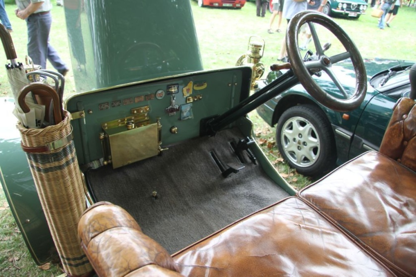 1905 Rover 6 hp open 2-seater single-cylinder 780 cc dashboard