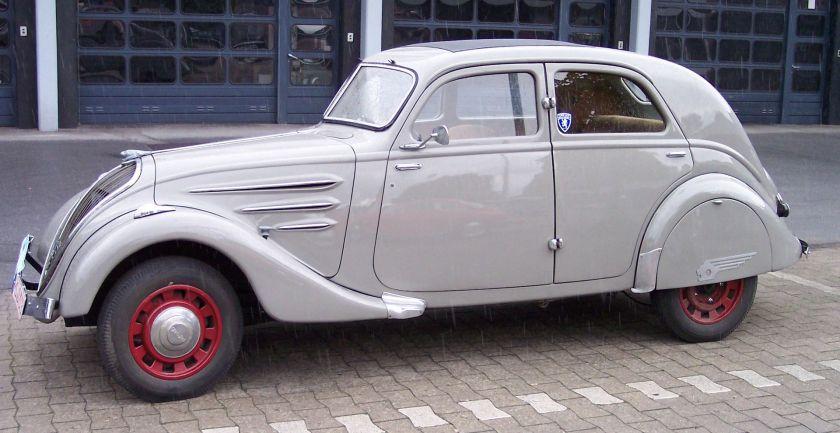 1935 Peugeot 402 grey l