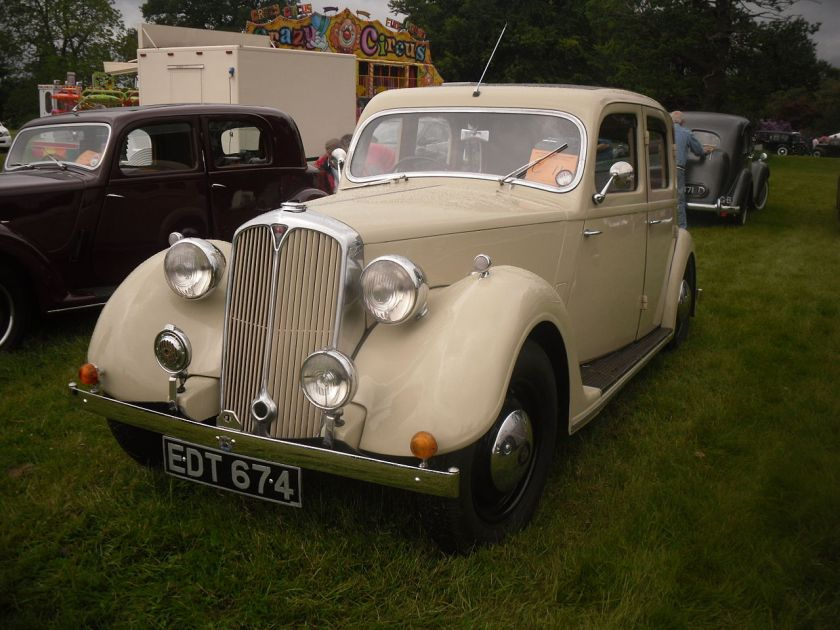1947 ROVER 12 P2 6-light saloon EDT 674 (DVLA) first registered 1496 cc