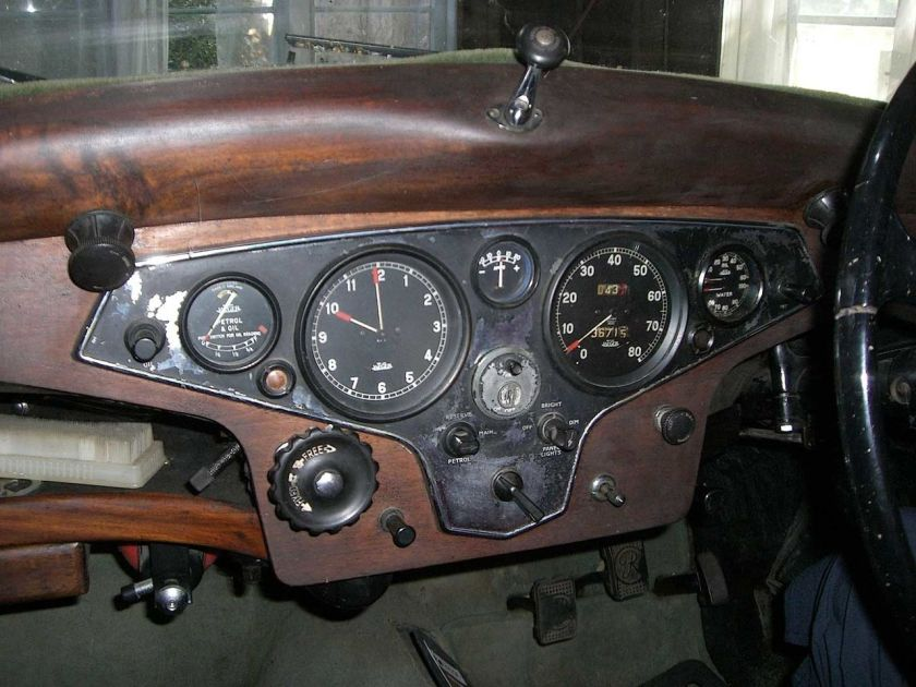 1947 Rover P2-16hp instrument panel An original condition