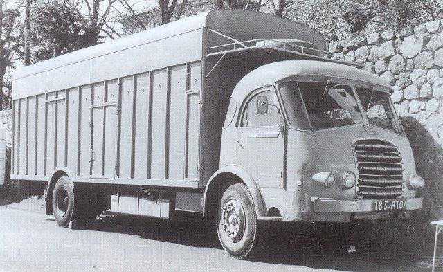 1953 SOMUA JL 17 habillé par Cottard