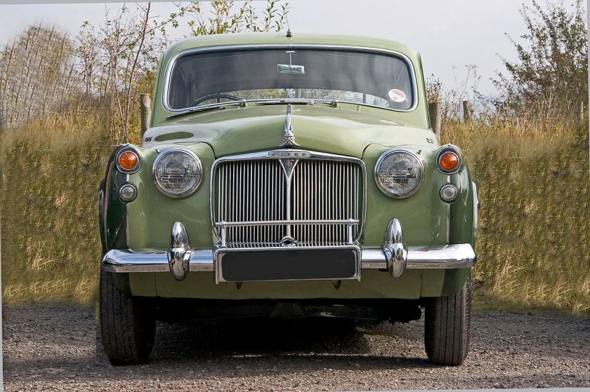 1954 Rover 105 (P4). Using a tuned version of the 2639cc 6cylinder engine from the Ropver 90, the 105 had 108bhp