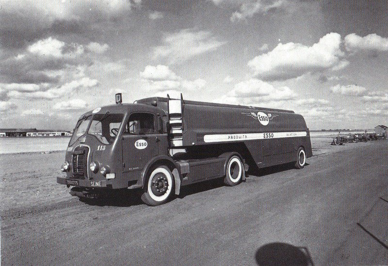 1954 Somua JL 17 citerne Esso à carburant de l' aviation