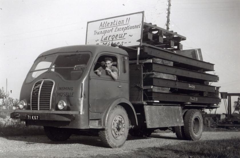 1957 Somua JL 17 des Transports Closset à Isming en Moselle