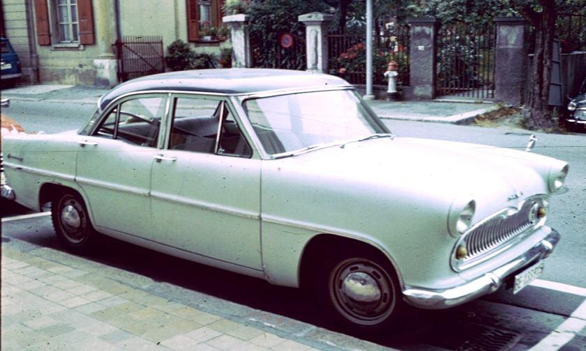 1958 Simca Vedette Chambord or sim Berne
