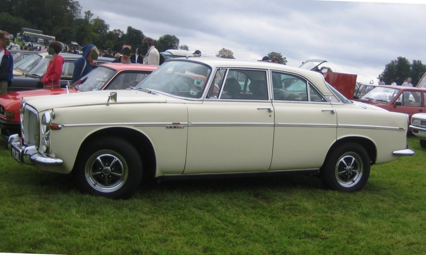 1967 Rover_3.5_coupe_P5B_ca_1967_profile_shot_showing_lowered_roofline