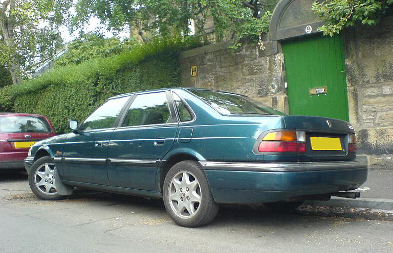 1995 Rover 825SD saloon, rear view (post-R17 facelift)