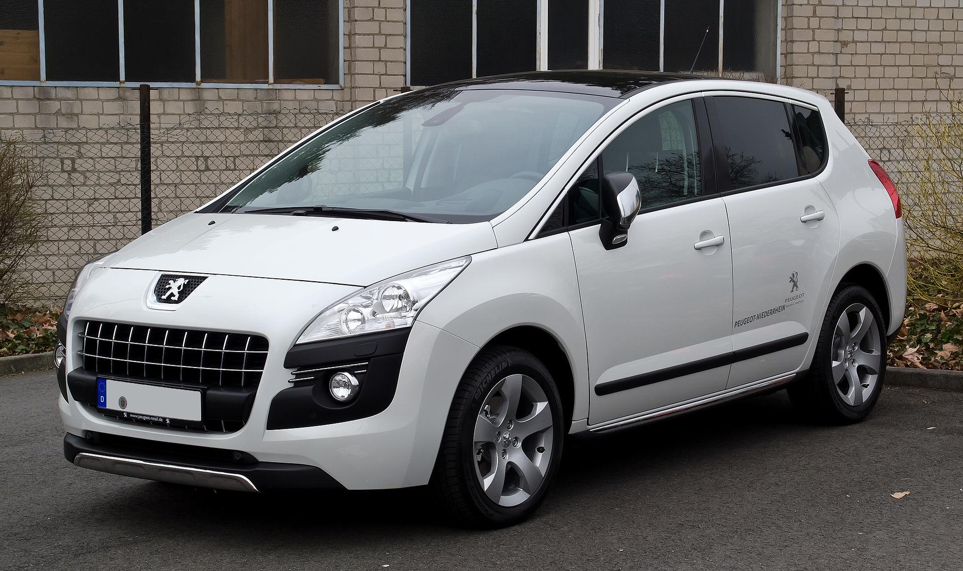 2008 (2013) 2008 12 Peugeot 3008 HDi FAP 110 Allure