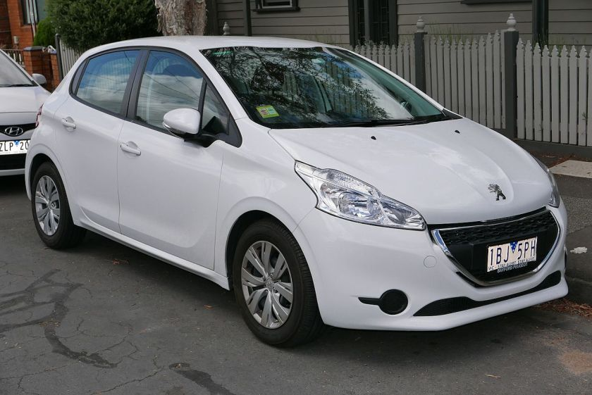 2012 Peugeot 208 Active 5-door hatchback
