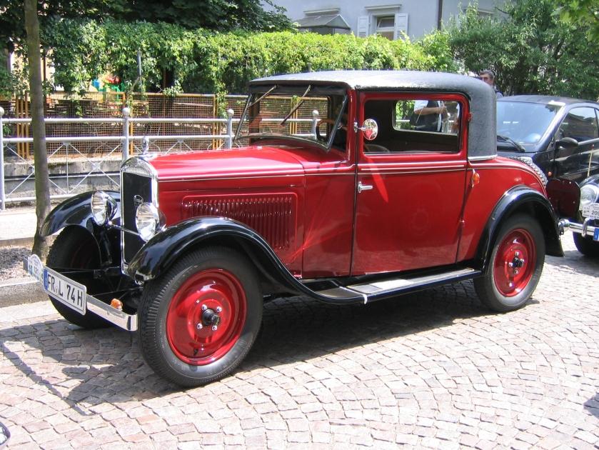 EM Peugeot 201 5821