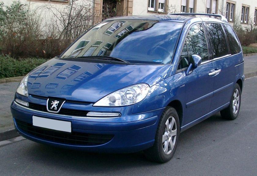 Peugeot 807 front