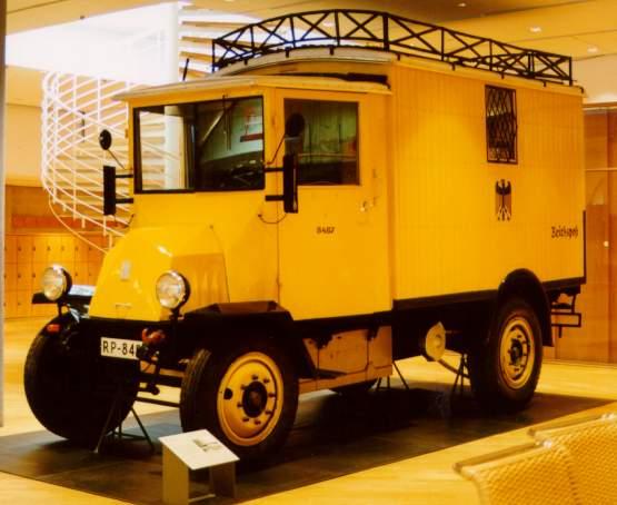 1920-30's photo of Hansa-Lloyd Elektrolieferwagen Reichspost omnibus