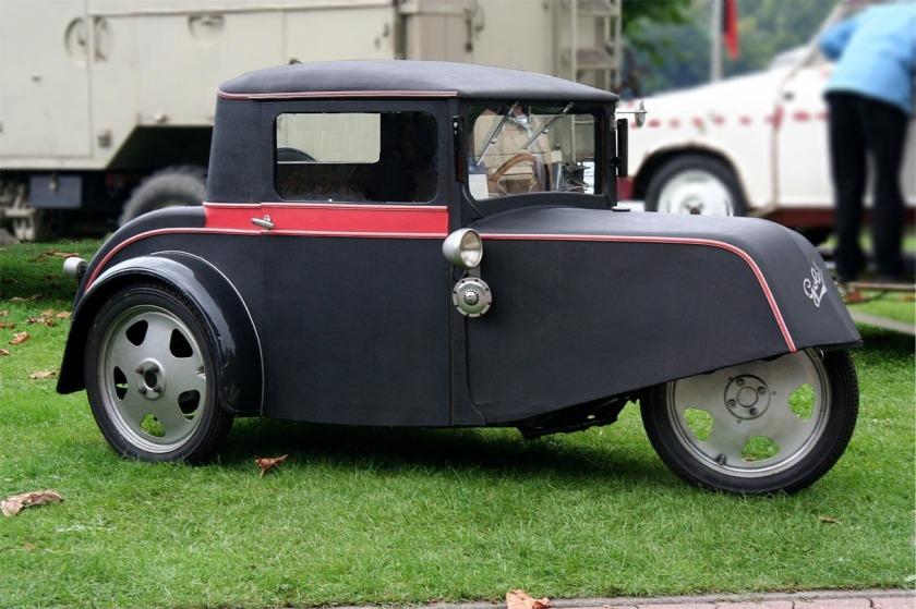 1931-34 Goliath Pionier Dreirad-Pkw, 1-Zyl.-Zweitaktmotor von ILO, 200 und 250 cm³, 5,5 bzw. 6,7 PS bei 3200min