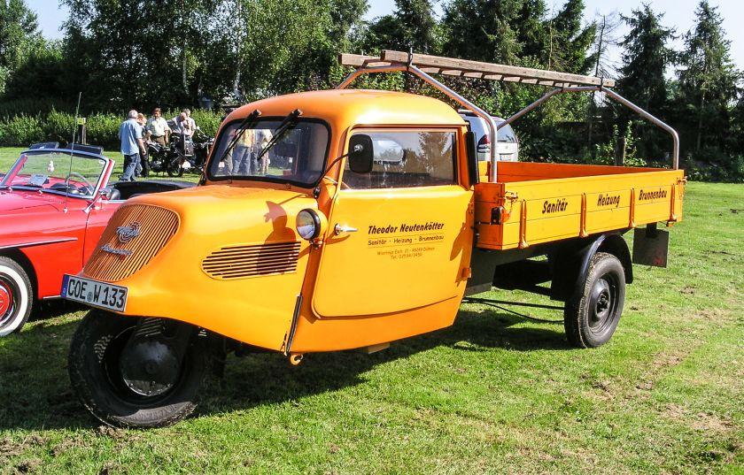 1935 Goliath F200
