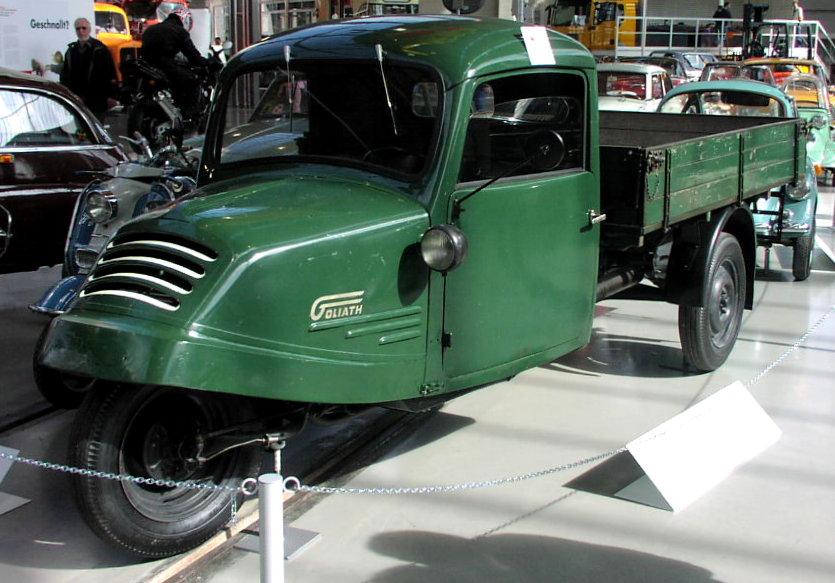 1935 MHV Goliath Truck 01