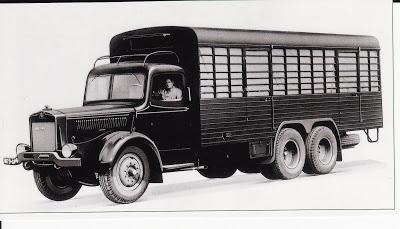 1945 WILLEME R15 porteur 6x2, 6cyl, 150cv,sous licence deutz immédiatement disponible en 1945, et en 1951 son moteur passe à 165cv