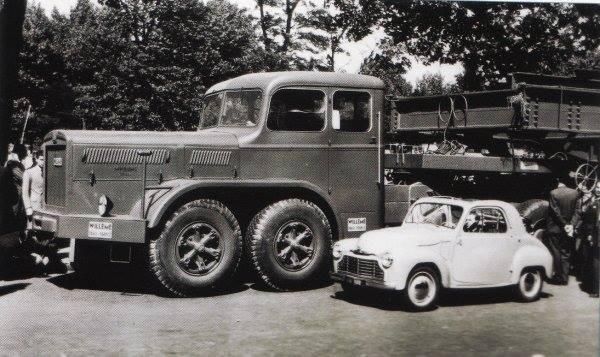 1949 Deze Willeme W200 gebouwd voor het vervoer van transformatoren van Frankrijk naar Portugal. Het bleef bij 1 truck.