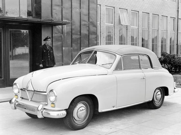 1949 wegweisende-innovationen-borgward-als-blinker-pionier-1949-fuehren-die-bremer-die-lichtgestalt-moder