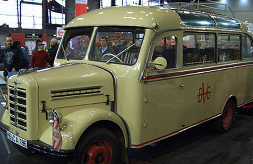 1954 borgward-busse-oldtimer-02b-200001