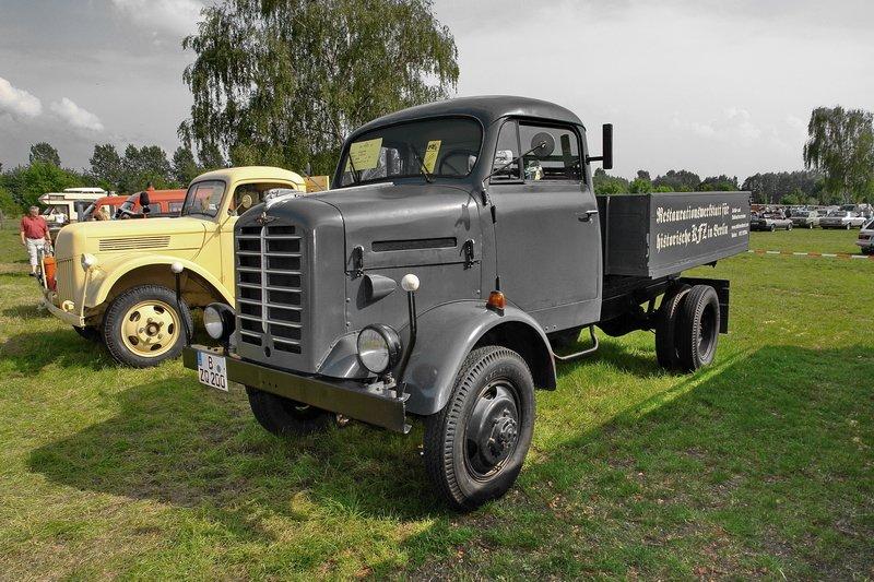 1955 borgward b2000-der-6-zylinder-1495