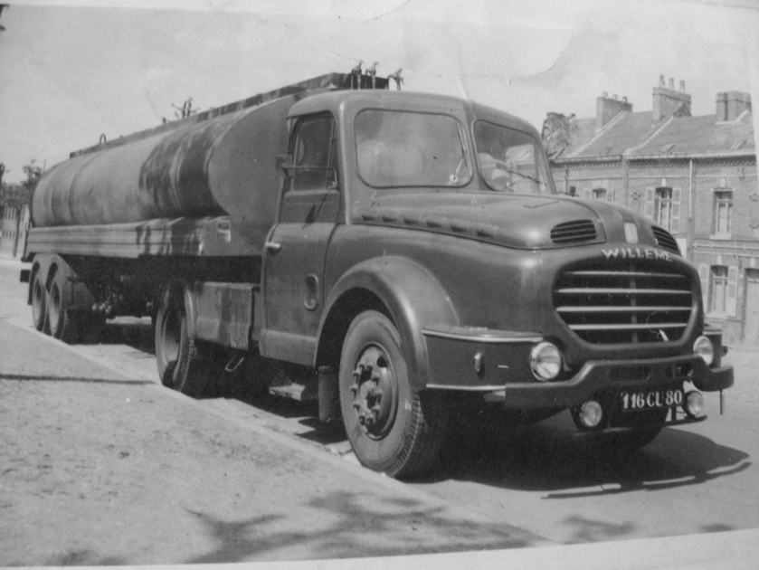 1956 WILLEME Tanker Nez de requin a