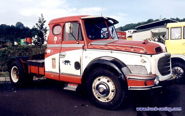 1957 Willème Tracteur LD 610 T cabine UB voulant dire deux couchette