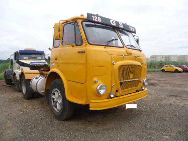 1975 FNM 210, 4X2, CABINE LEITO