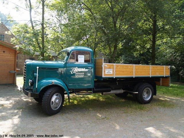 Borgward B-4500-AK-gruen-040905-02