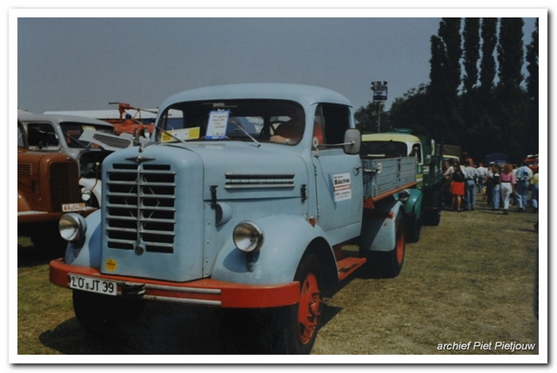 Borgward B3000