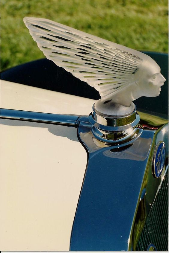 Delahaye - Car Hood Ornament Lalique