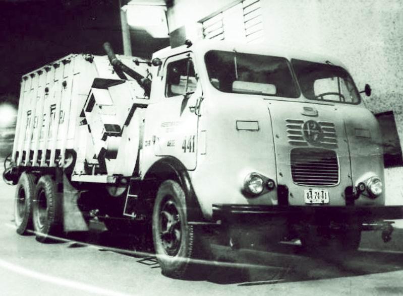 FNM Dirt truck