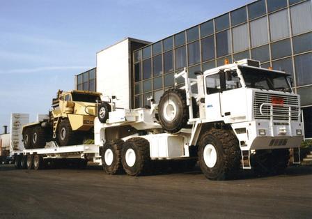 MOL 70-tonne F 7066 tractor