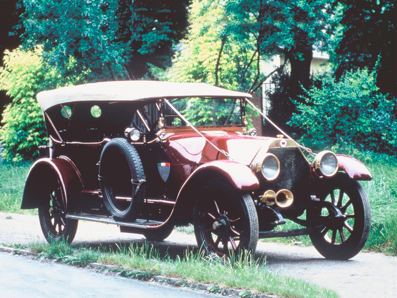 1911 Lancia Theta A total of 1,696 units
