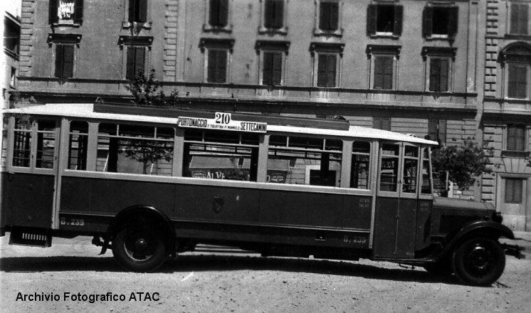 1927-36 Lancia Omicron 09729a