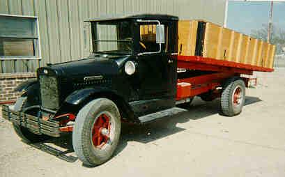 1928 international truckdumpbed