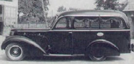 1930-40 Lancia Astura lijkwagen door Carrozzeria Fissore uit 1930-1940. Een wazige, maar unieke foto