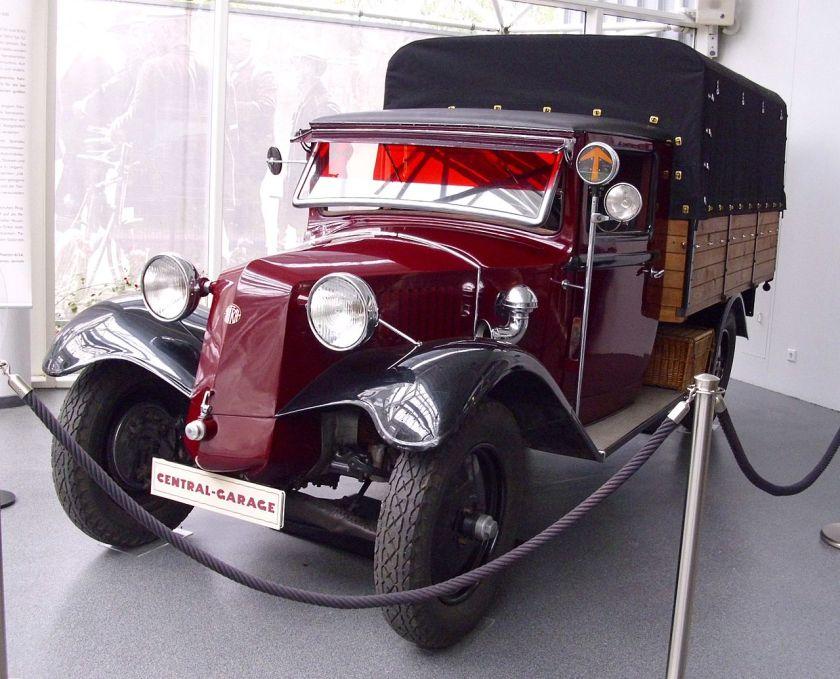 1931 Tatra 52 war mit einem Vierzylindermotor mit 1896 cm³ Hubraum und 40 PS Leistung ausgestattet. Tatra (Detra) 8-40 P