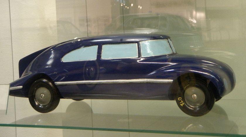 1933 Tatra 77 maquette 1-10 by Paul Jarray