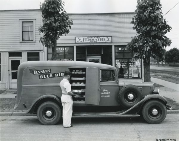 1935 International C-1 truck owned by Elsner's Blue Ribbon Bakery