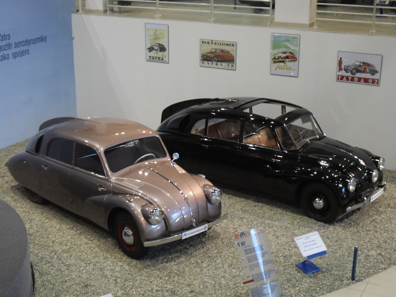 1936 Tatra T97 en Tatra T87