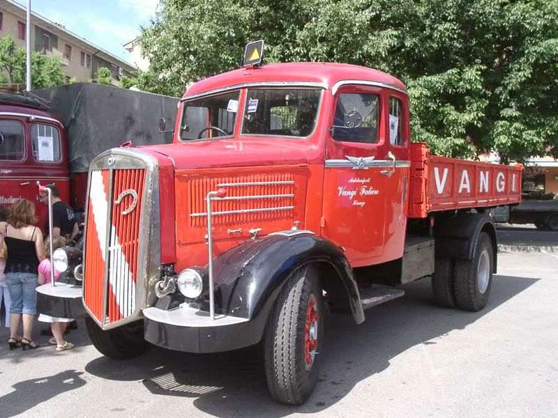 1937-48 Lancia 3RO, 1937 à 1948, 5 cylindres, 6875vm3, 105cv, cabine couchette